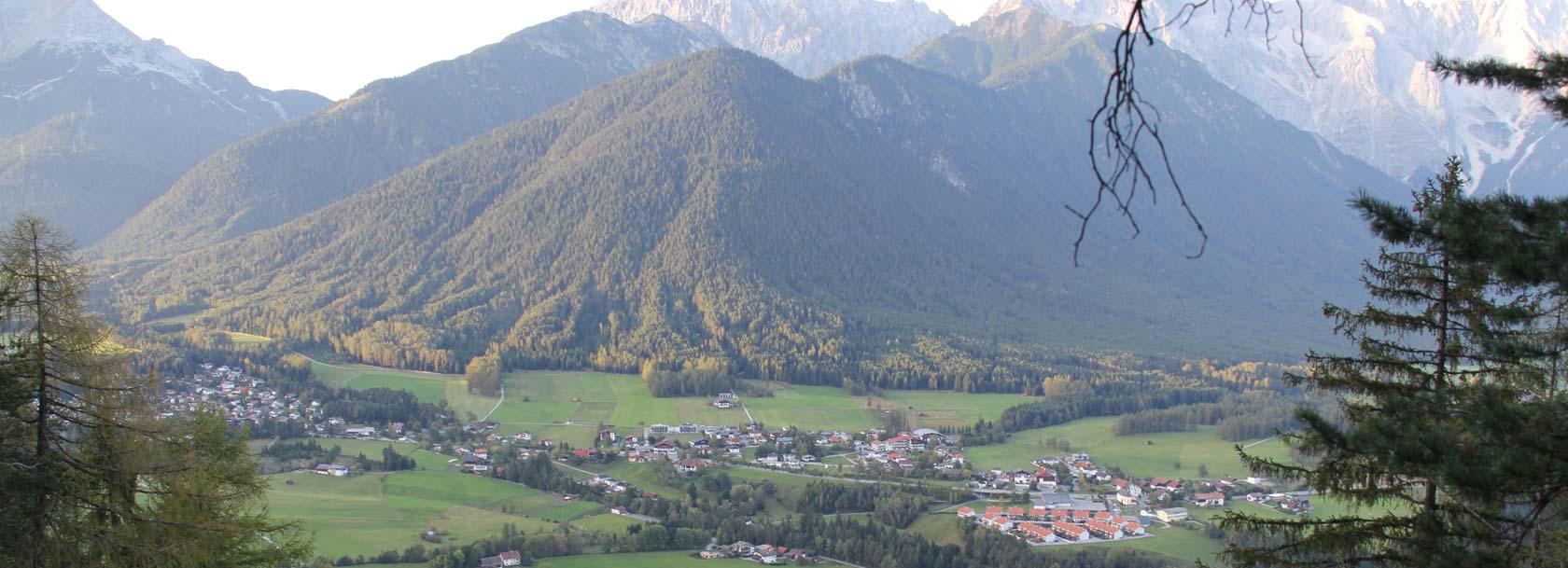 Ortsansicht Obsteig vom Grünberg