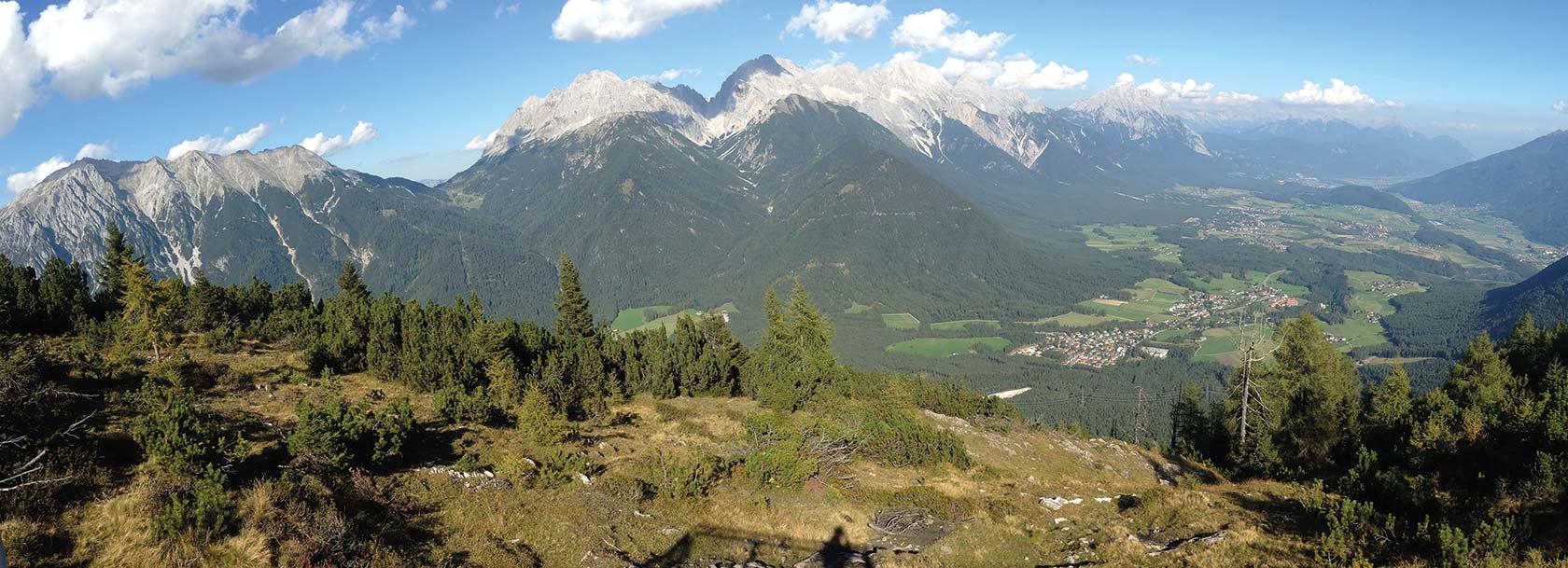 Panoramaansicht vom Simmering Horn in Obsteig