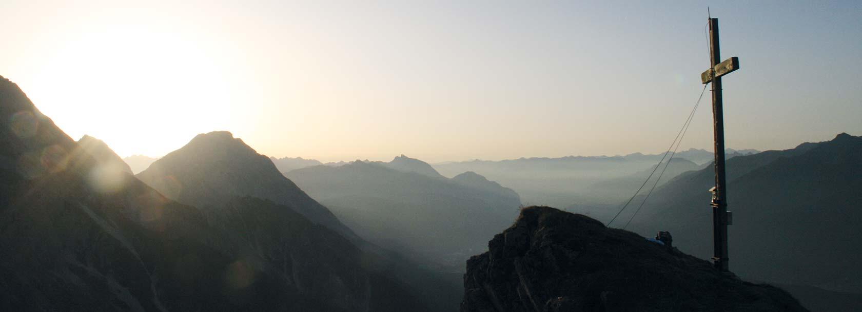 Sonnenaufgang auf der Wankspitze in Obsteig